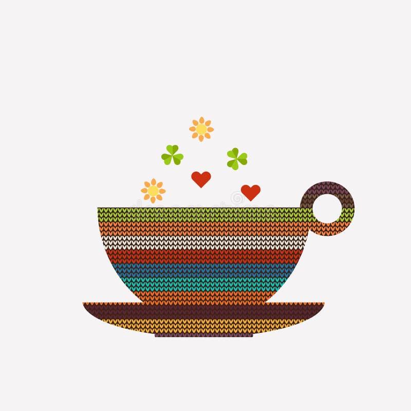 Abstrakter Tasse Kaffee/Tee, gemacht vom bunten gestrickten Muster mit Herzen, Sonnen und Shamrocks lizenzfreie abbildung