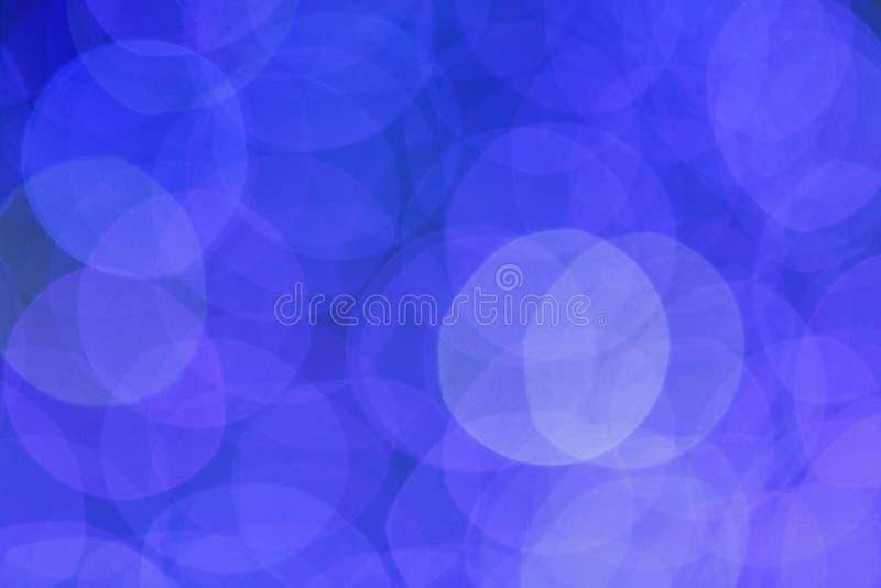 Abstraktes blaues bokeh, defocused Bild als Hintergrund oder Schablone lizenzfreies stockbild