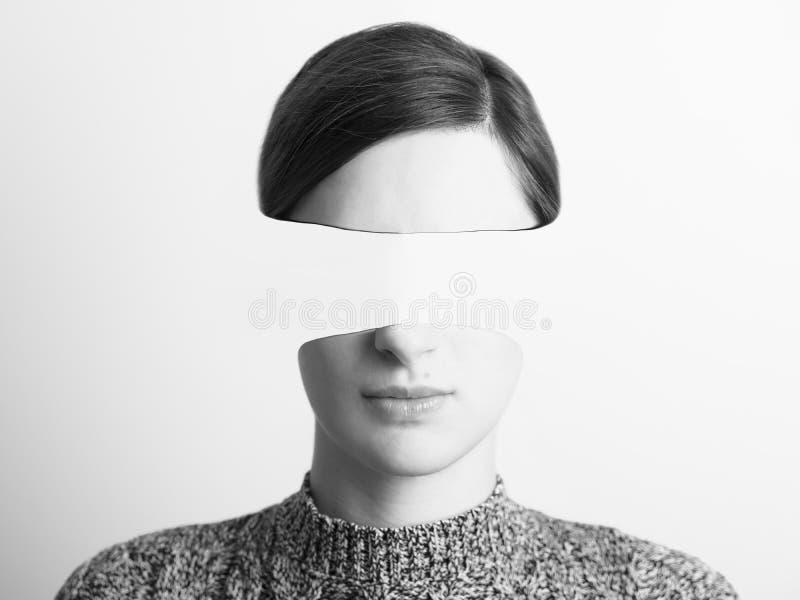 Abstraktes Frauen-Schwarzweiss-Porträt des Identitäts-Diebstahles stockbild