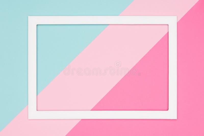 Abstraktes geometrisches Pastellblau, Knickente und rosa Papierebene legen Hintergrund Minimalismus, Geometrie und Symmetrieschab vektor abbildung