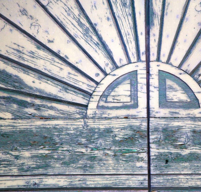 Abstraktes geschlossenes hölzernes sumirago Türvareses Italien lizenzfreie stockfotografie
