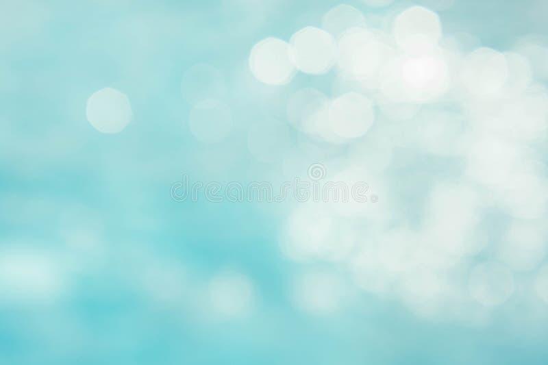 Abstraktes grün-blaues Unschärfe backgruond, tapezieren blaue Welle mit s stockfotografie
