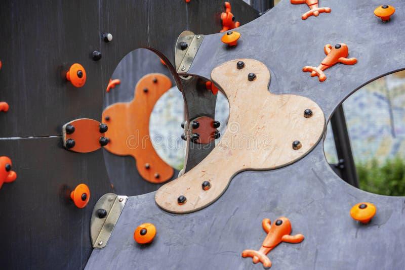 Abstraktion, heller Hintergrund, Detailnahaufnahme eines Dias der helle bunte Kinder auf Spielplatz für Kinder, als 3D stockbild