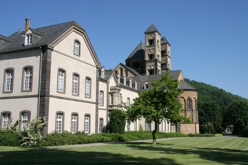 Abtei in Maria Laach, Deutschland lizenzfreies stockfoto