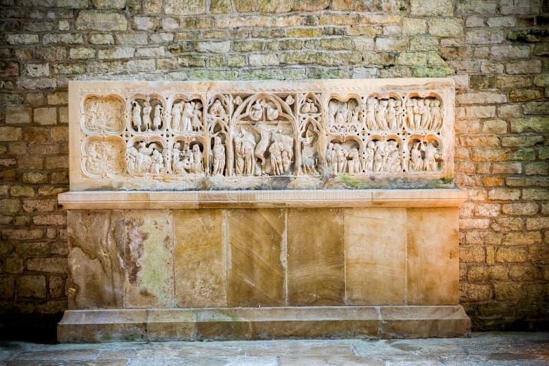 Abtei von Fontenay, Burgunder, Frankreich Innenraum der berühmten Cistercian Abtei von Fontenay, eine UNESCO-Welterbestätte seit  lizenzfreies stockfoto