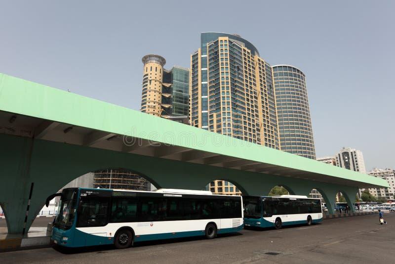 abu公共汽车dhabi岗位 图库摄影