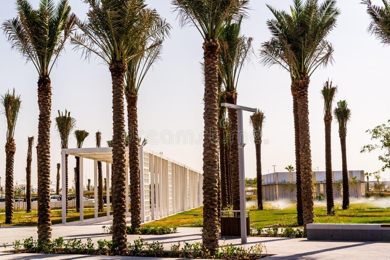 Abu Dhabi, de V.A.E 15 Nov. 2017: Landschap bij Louvremuseum in Abu Dhabi, de V.A.E royalty-vrije stock foto