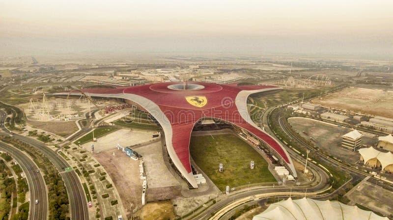 ABU DHABI, EMIRATI ARABI UNITI - 6 DICEMBRE 2016: Vista aerea fotografia stock