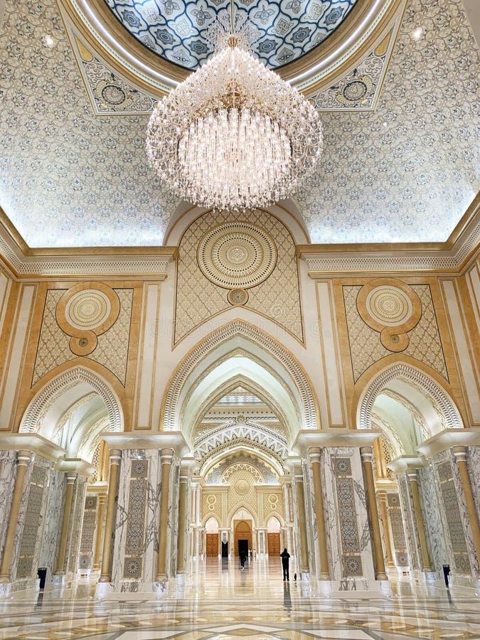 Abu Dhabi, Emiratos Árabes Unidos, março, 19, 2019 Palácio presidencial, palácio do al-Watan de Qasr o palácio do interior da naç fotografia de stock royalty free