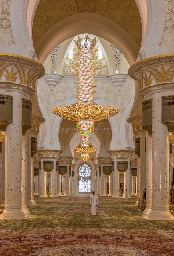 Abu Dhabi: erstaunliche Sheikh Zayed Mosque stockfotos