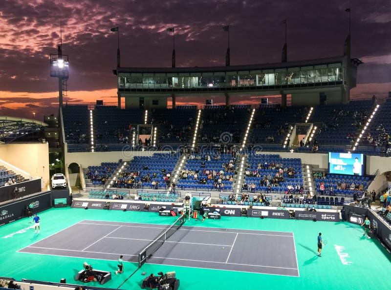 Abu Dhabi, Förenade Arabemiraten - 19 december 2019: Internationellt tenniscenter i Abu Dhabi under Mubadala World Tennis royaltyfria foton
