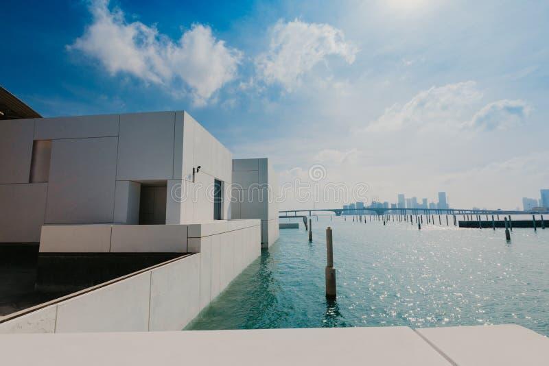 Abu Dhabi Förenade Arabemiraten, JANUARI 06, 2019, inre av Louvremuseet, Abu Dhabi, bild arkivbild