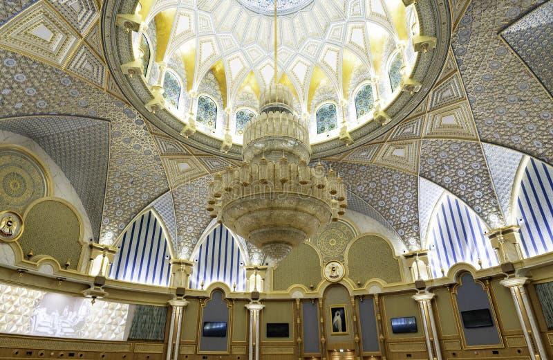 Abu Dhabi , Förenade Arabemiraten , november , 04 , 2019 Presidentpalats, Qasr al-Watans palats / nationalpalatset royaltyfri bild