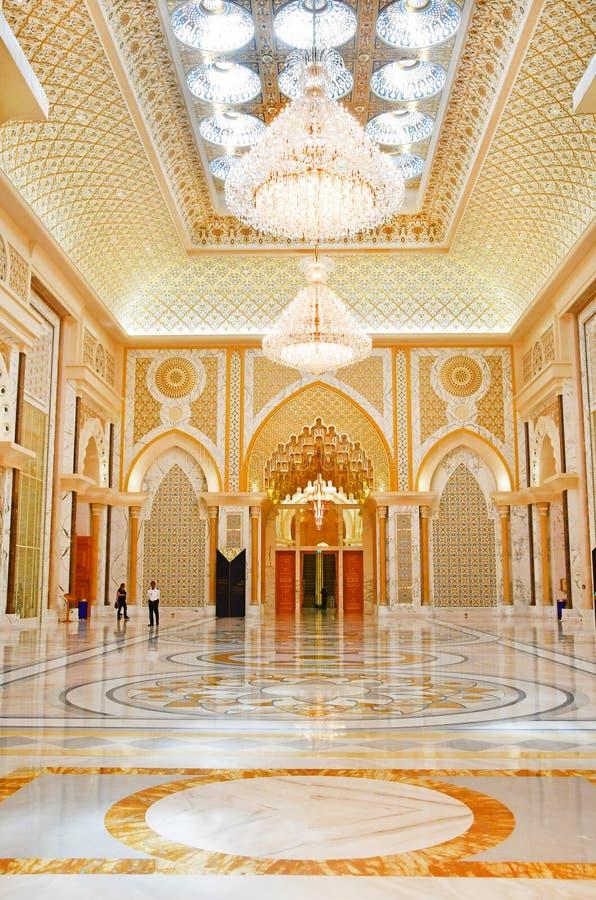 Abu Dhabi F?renade Arabemiraten, mars, 19, 2019 Presidentpalats slott av Qasr al-Watan slotten av nationen inom mig arkivbilder