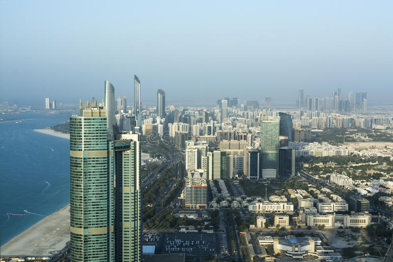 Abu Dhabi linia horyzontu obraz stock