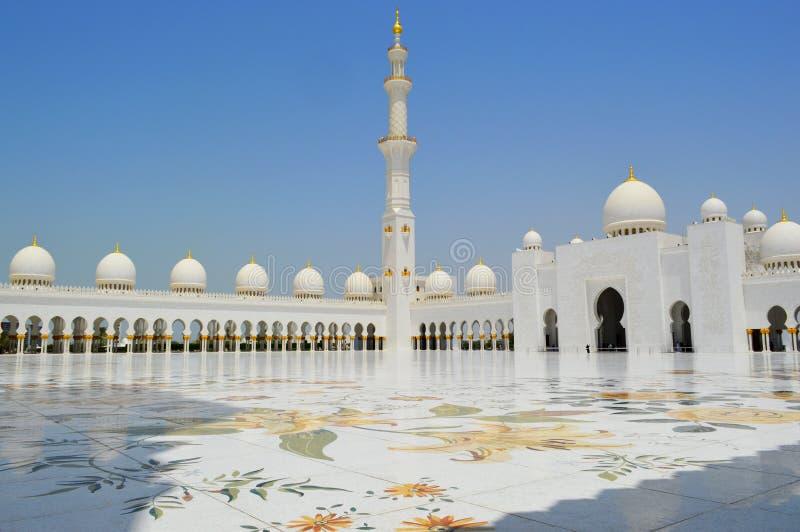 Abu Dhabi Mosque dubai asia Lugar pacífico y santo Mezquita magnífica imagenes de archivo