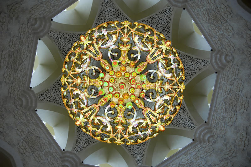 Abu Dhabi - Sheikh Zayed Mosque chandelier royalty free stock photos