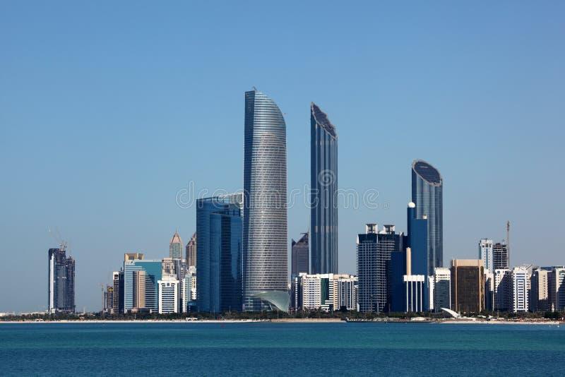 Abu Dhabi Skyline imagen de archivo libre de regalías