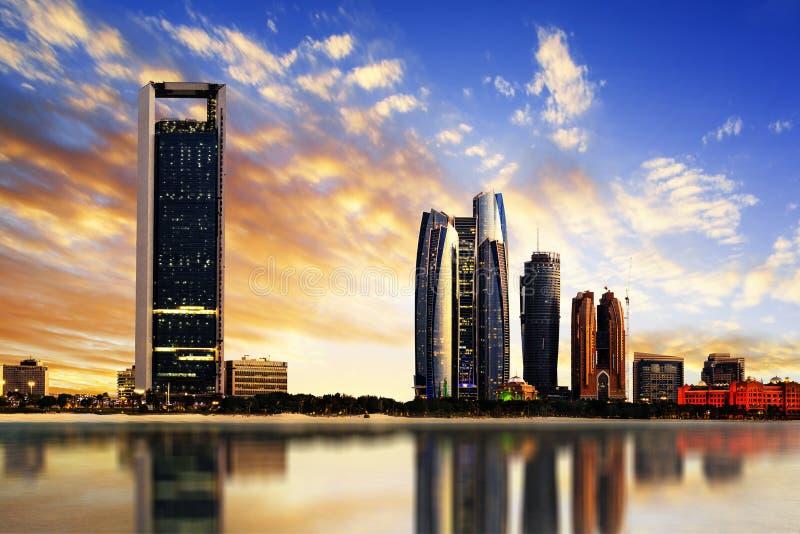 Abu Dhabi Skyline royaltyfria foton