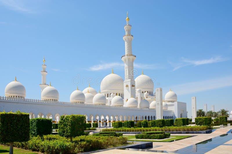 ABU DHABI, UAE - 26 DE MARÇO DE 2016: Sheikh Zayed Mosque foto de stock royalty free