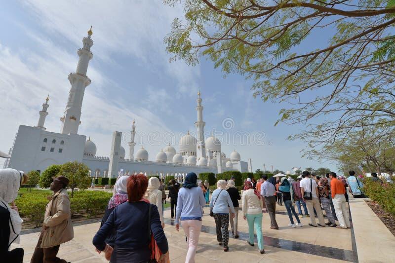 ABU DHABI UAE -19 MARS 2016: Sheikh Zayed Grand Mosque i Abu Dhabi, Förenade Arabemiraten arkivfoton