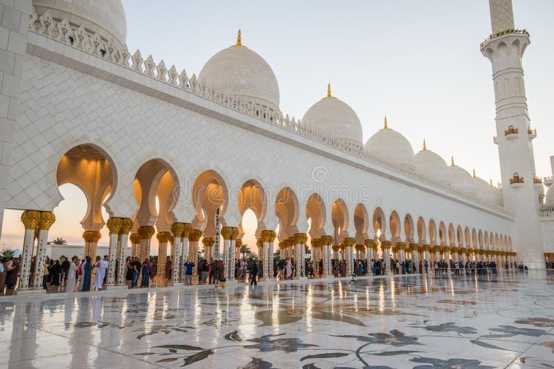 Abu Dhabi, UAE, 04 2018 Styczeń, Sheikh Zayed Uroczysty meczet w Abu Dhabi zdjęcie royalty free