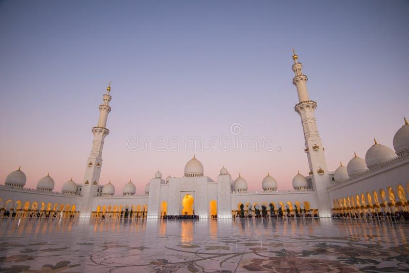 Abu Dhabi, UAE, 04 2018 Styczeń, Sheikh Zayed Uroczysty meczet w Abu Dhabi fotografia royalty free