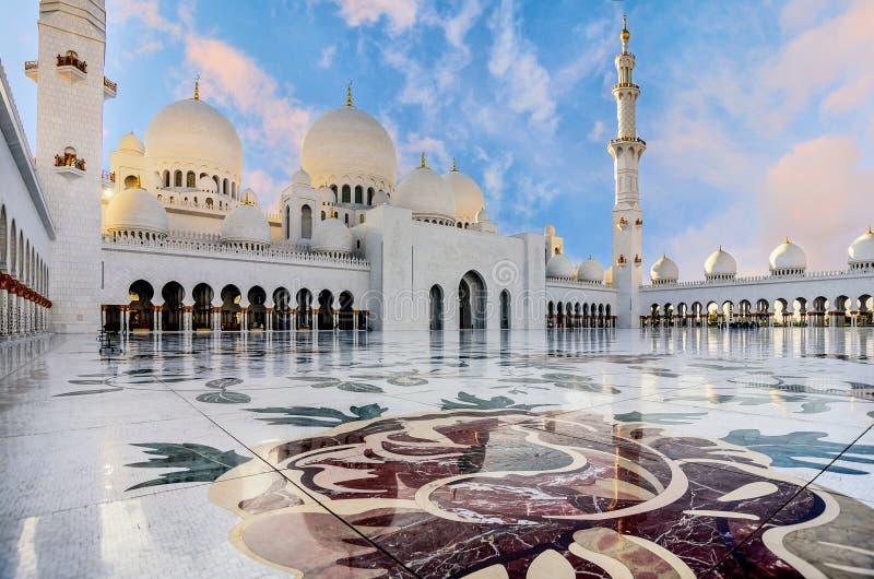 abu dhabi uroczysty meczetowy sheikh uae zayed zdjęcia stock