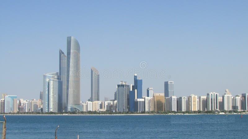 Abu Dhabi, Verenigde Arabische Emiraten, mening van de baai stock afbeeldingen