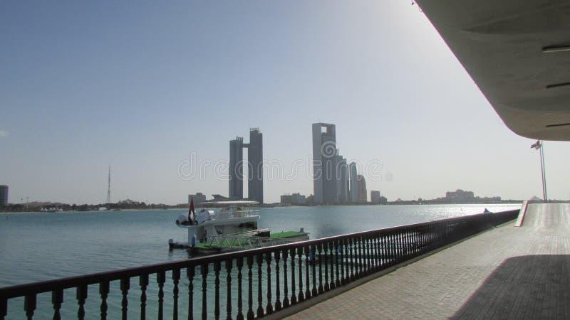 Abu Dhabi, Verenigde Arabische Emiraten, mening van de baai royalty-vrije stock afbeelding