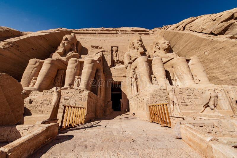 Abu Simbel är den mest välkända templet i Egypten och är byggdes av Ramesses II eller Ramesses det stort arkivbild