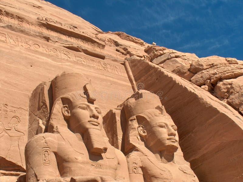 Abu Simbel. Colossi de Pharaoph. Egipto imagem de stock royalty free