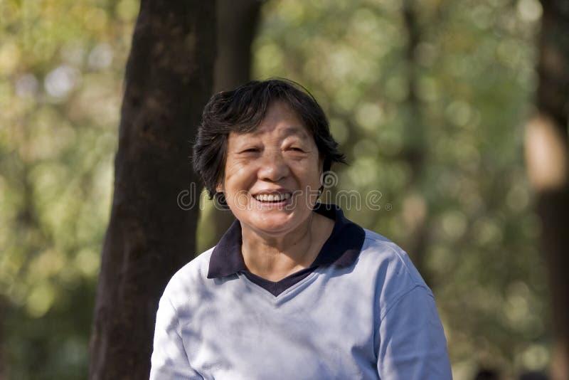Abuelita de risa fotografía de archivo