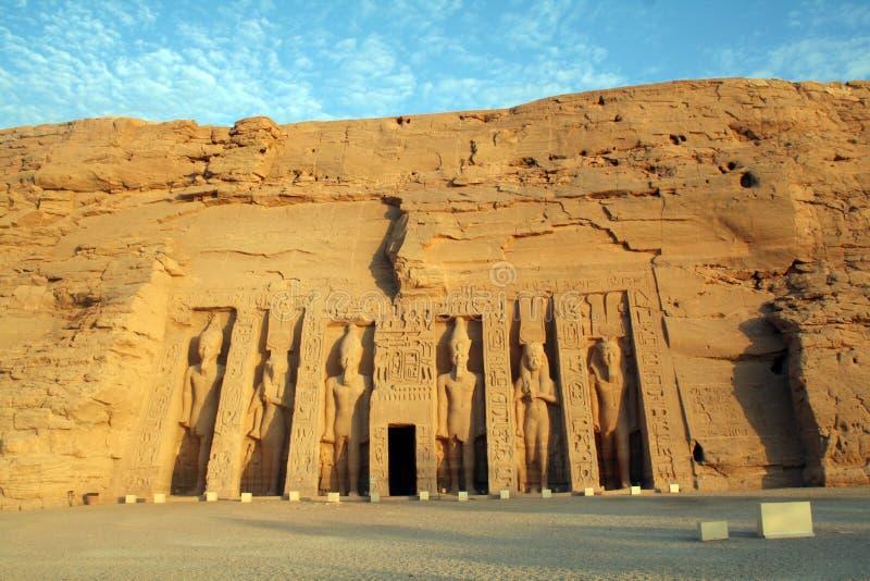Abus Simbel Smaller Queens tempel (tempel av Hathor & Nefertari) [nära sjön Nasser, Egypten, arabiska stater, Afrika]. arkivfoto