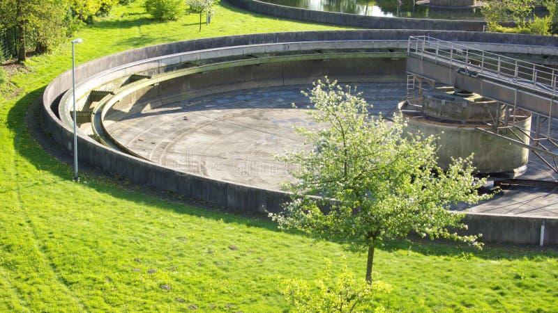 Download Abwasserbehandlung stockbild. Bild von herbst, fluß, ableiter - 9077685