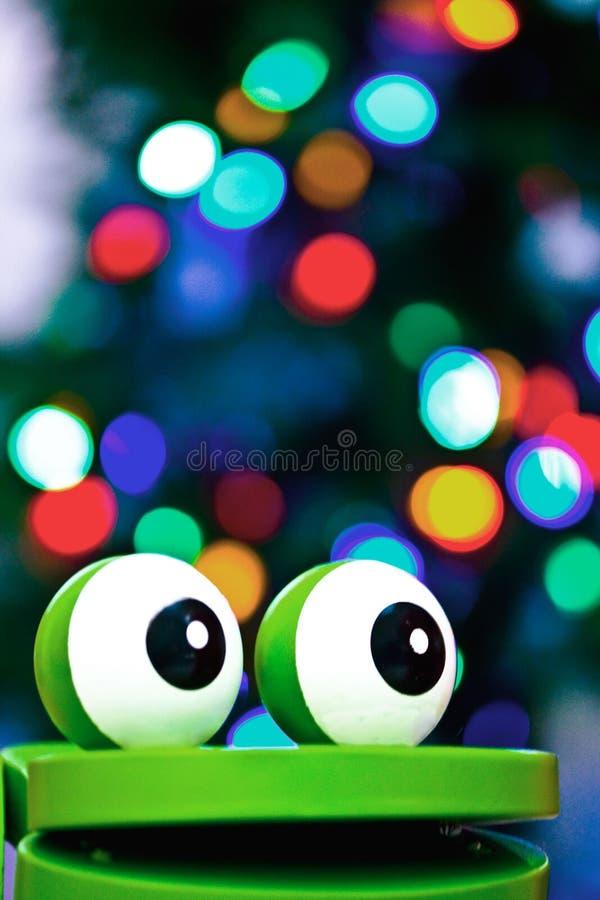 Żaby zabawka z bożonarodzeniowe światła obraz royalty free