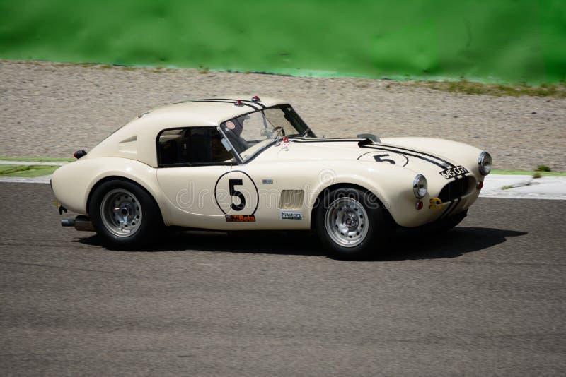 1963 AC kobry Mk1 289 FIA terenówka przy Monza obwodem fotografia stock