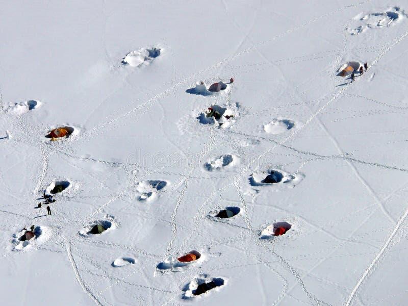 Acampamento alpino fotos de stock