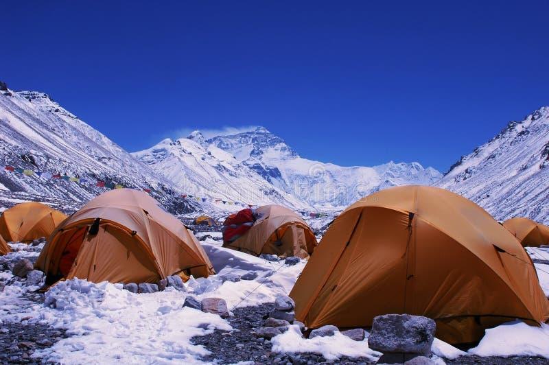 Acampamento baixo da montagem Everest foto de stock royalty free