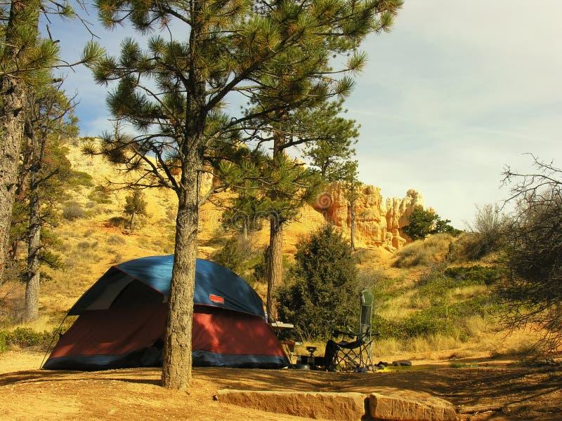 Acampamento do por do sol, parque nacional da garganta de Bryce imagens de stock royalty free