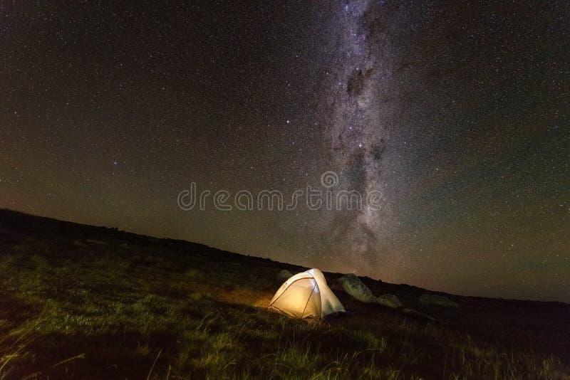 Acampamento nas montanhas O Monte Kosciuszko Austrália imagens de stock