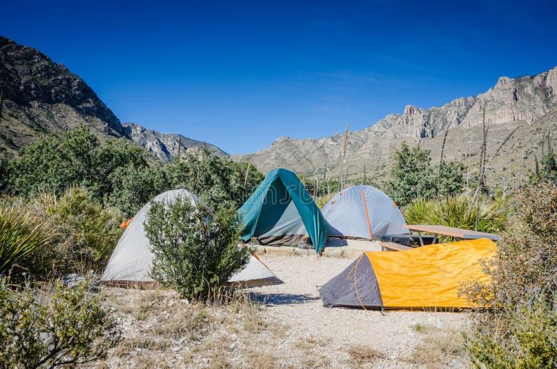 Acampamento - parque nacional das montanhas de Guadaloupe imagens de stock