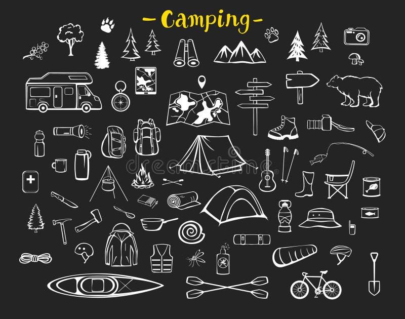 Acampando, el caminar, emigrando artículos esenciales del equipo de las herramientas de la aventura libre illustration