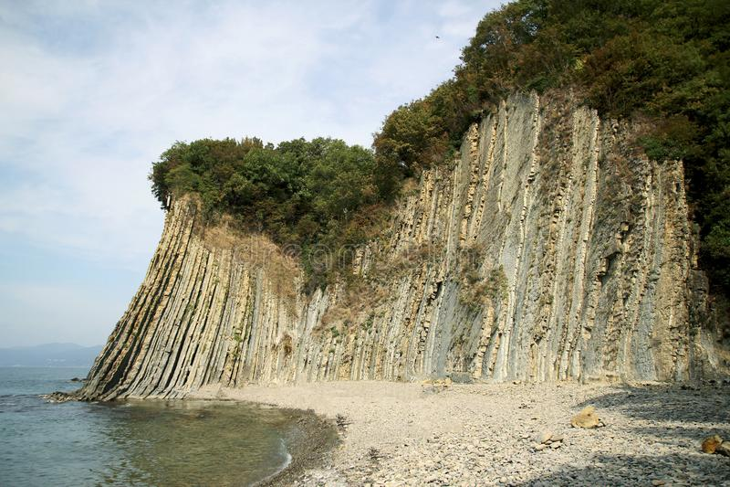 Acantilado de Kiselev también conocido como acantilado de rasgones, Tuapse, el Mar Negro, Rusia imagenes de archivo