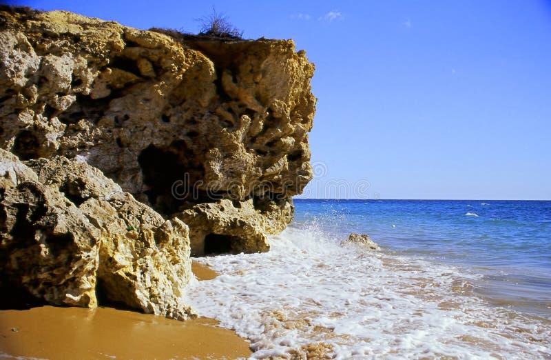 Acantilado de la playa fotografía de archivo libre de regalías