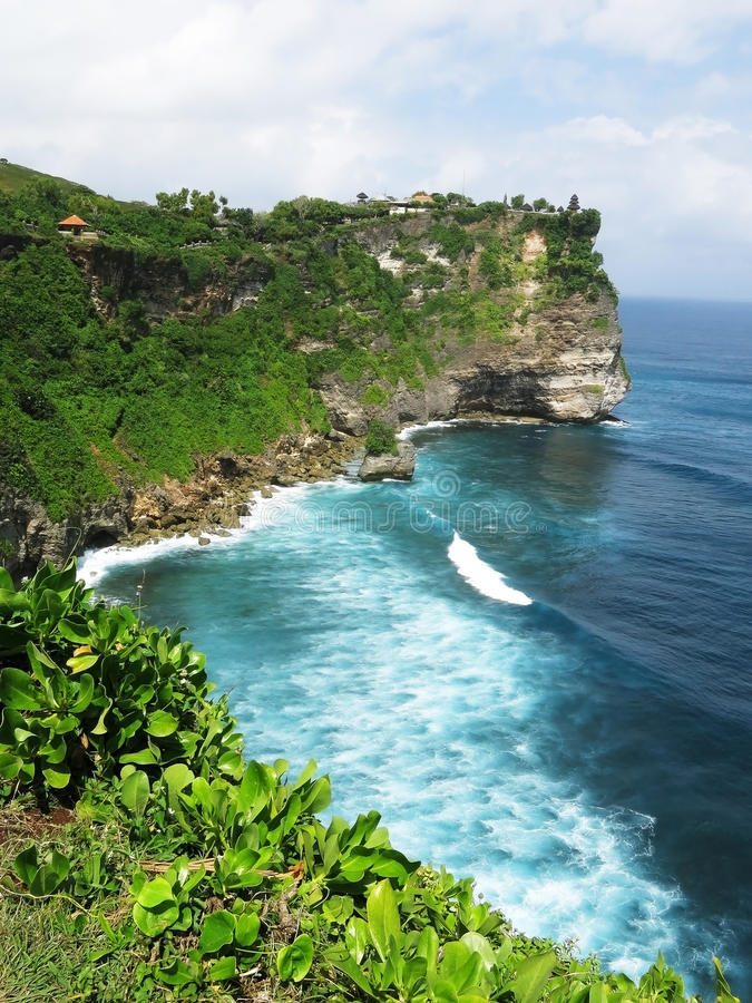 Acantilado en Bali, Indonesia imágenes de archivo libres de regalías