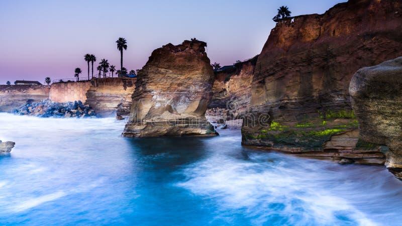 Acantilados de la puesta del sol, San Diego, California foto de archivo libre de regalías