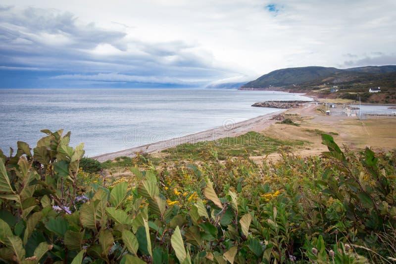 Acantilados de Nova Scotia, Canadá Océano Atlántico, rocas imagen de archivo libre de regalías