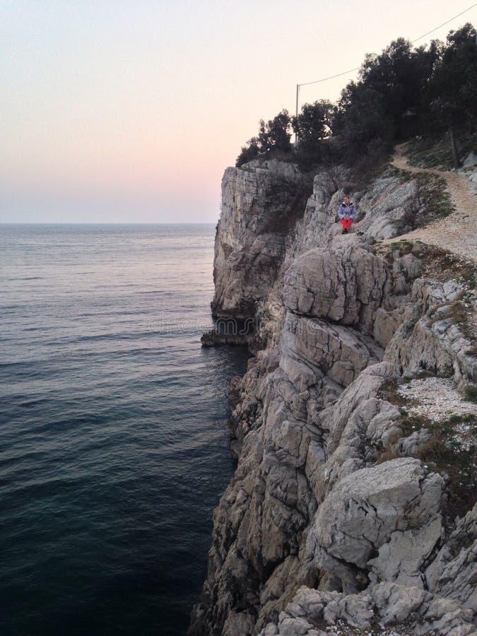 acantilados del  del brseÄ en Croacia foto de archivo libre de regalías