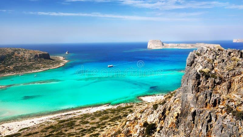 Acantilados del mar, playas del paisaje de la costa, islas griegas, Creta, fotografía de archivo